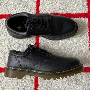 NWT Doc Marten Nappa Low Top Treaded Leather Shoes
